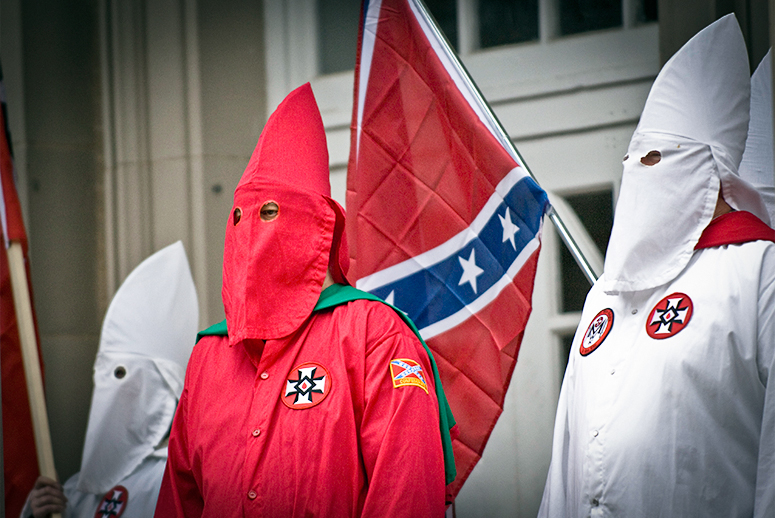 Q: Which Presidential Candidate Was Mentored By A KKK Recruiter & Endorsed By A Grand Dragon?